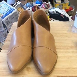 Women's Microsuede Cut Out Bootie Tan Size 5